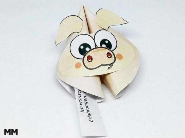 Papier Glückskeks in Schweinchenforn