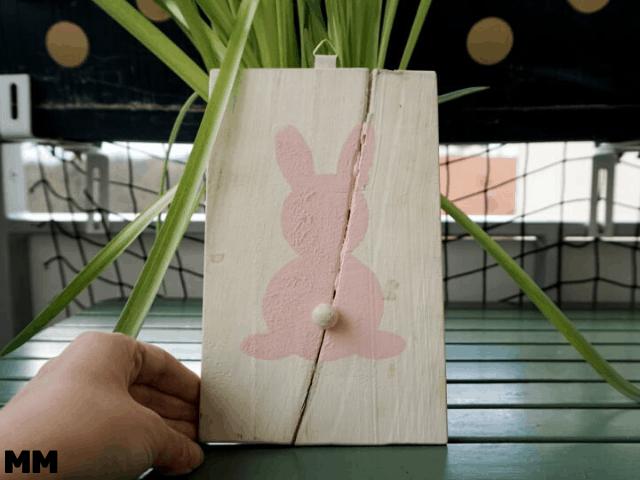 Osterdeko aus altem Brett – Upcycling