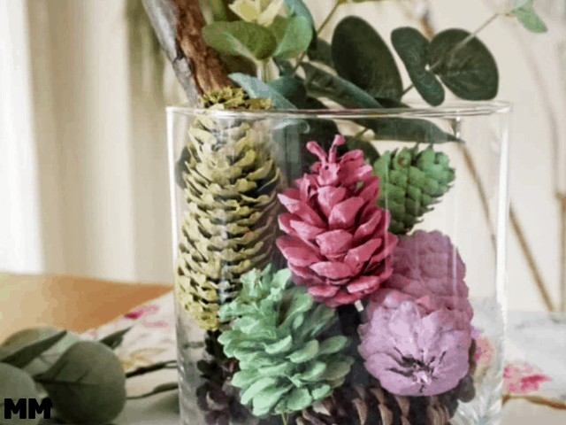 Frühlingsdeko aus Zapfen – So geht's