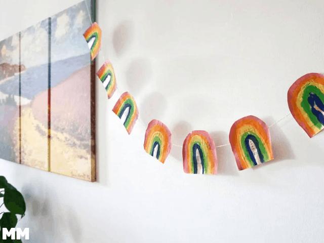 Regenbogen Girlande aus Altpapier