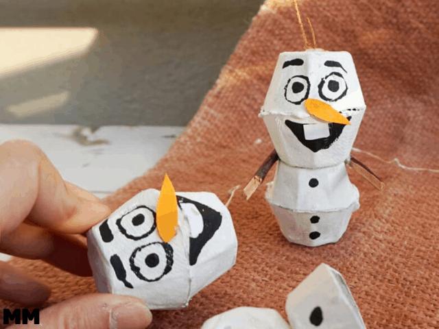 So bastelst du den Schneemann Olaf aus Eierkarton