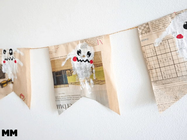 Geister-Girlande aus Altpapier basteln