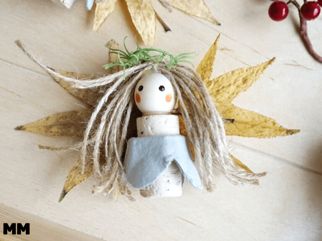 Engel aus Upcycling- und Naturmaterialien basteln